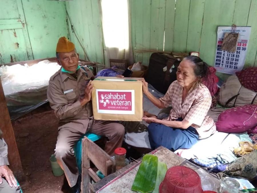 Penyaluran Bisa Bantu Janda Veteran di Surabaya & Ambarawa bersama Kita Bisa